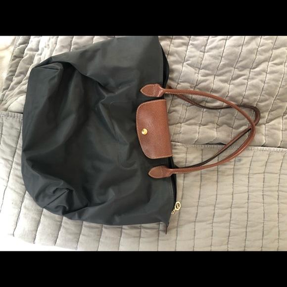 Longchamp EUC handbag